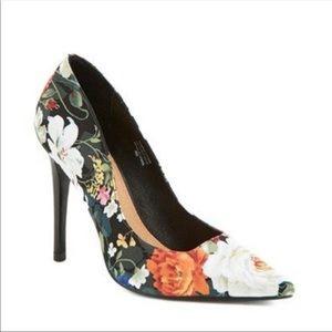 Halogen black floral pumps- Size 9.5